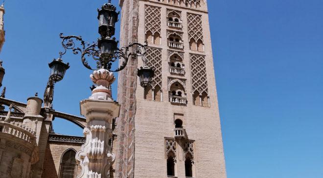 Katedra Najświętszej Marii Panny oraz La Giralda
