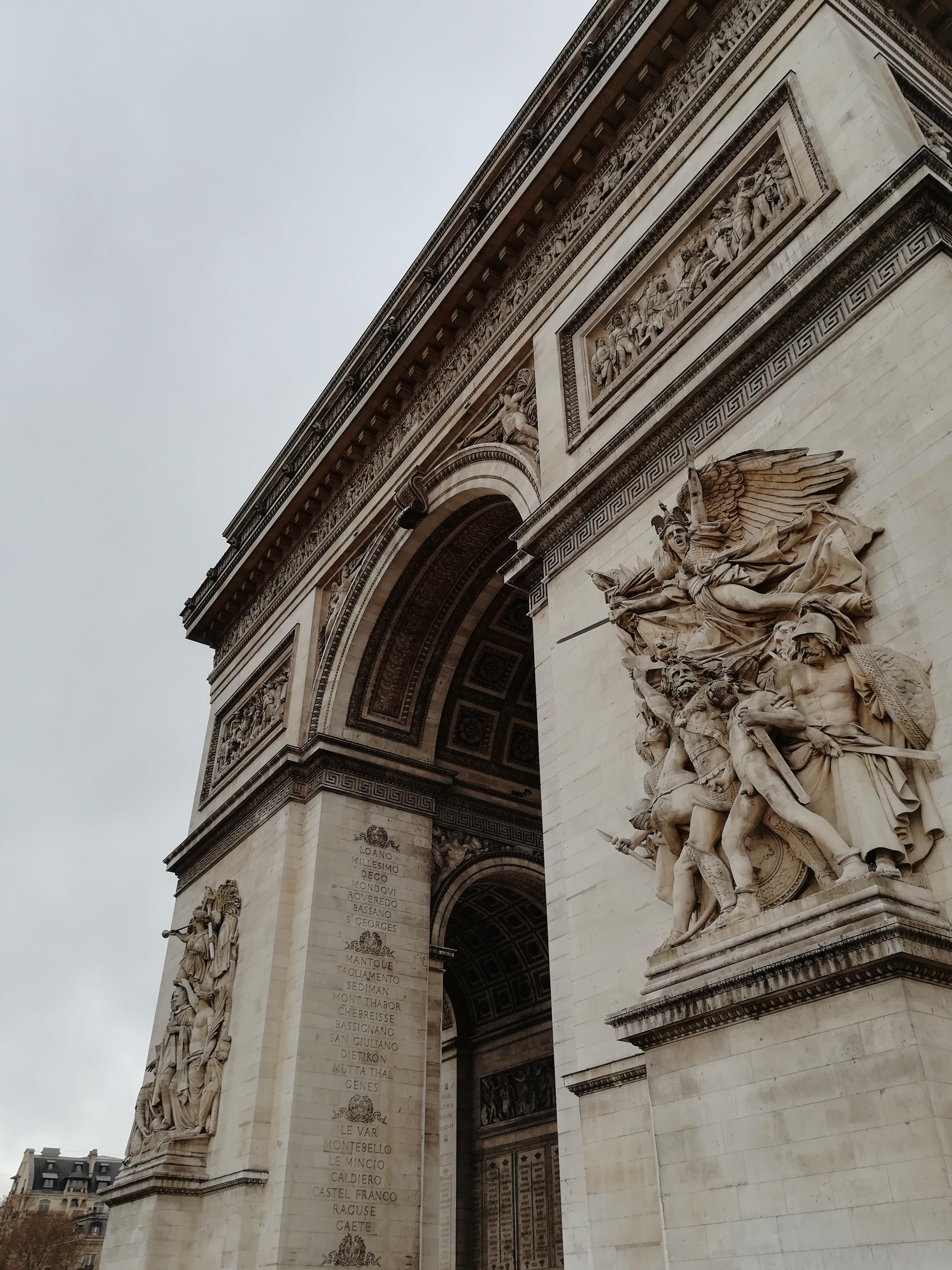 luk-triumfalny-paryz-francj