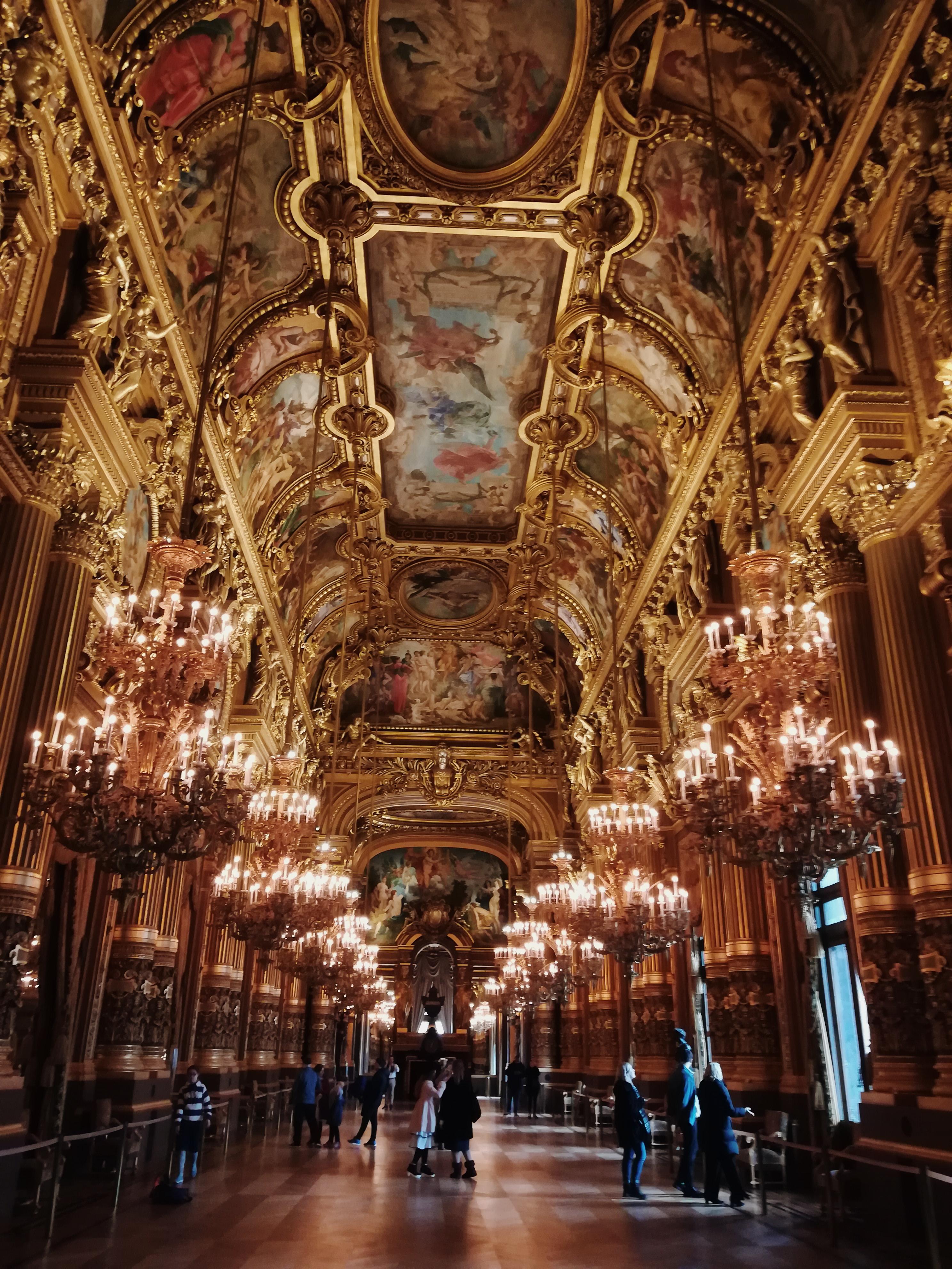 wnetrze-opery-garnier-w-paryz